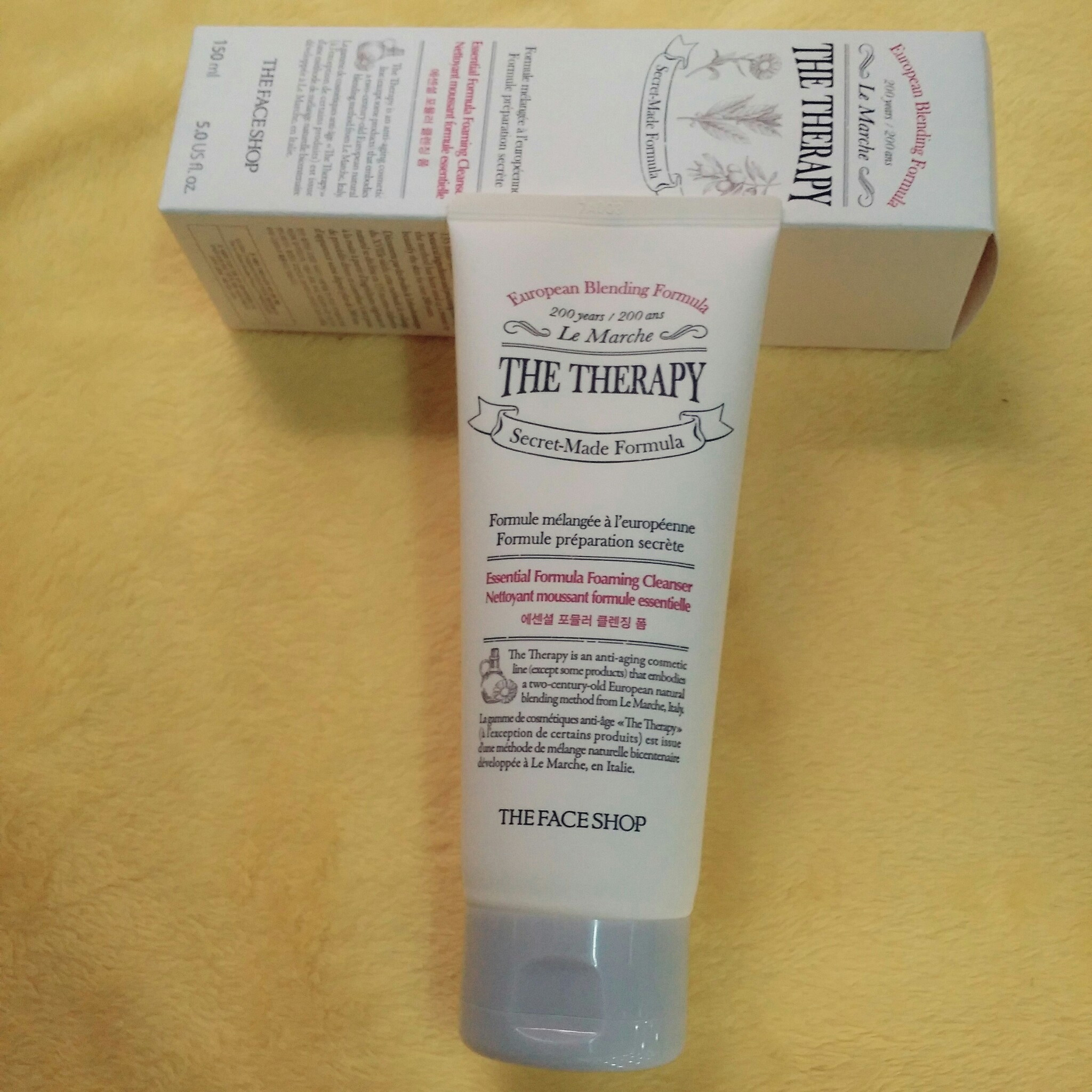 The Therapy Essential Foaming Cleanser Sữa Rửa Mặt Chống Lão Hóa