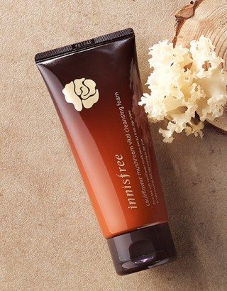 Sữa rửa mặt Innisfree Cauliflower Mushroom Vital cleansing foam